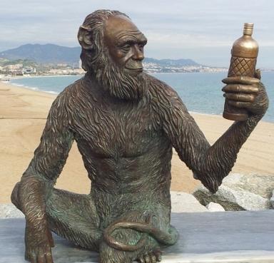 Figura Anís del Mono en Badalona